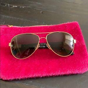 Accessories - Tory Burch Sunglasses 🕶